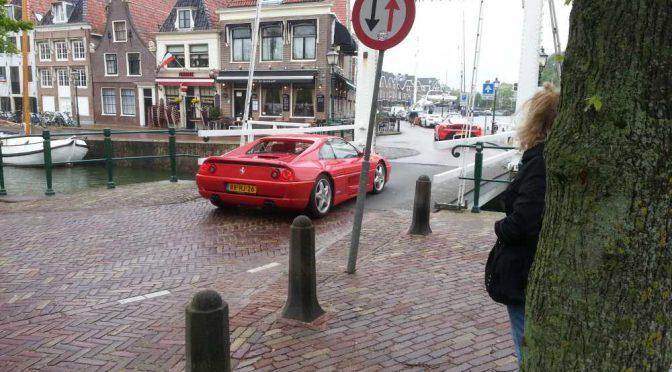 Hoorn & viele Ferraris