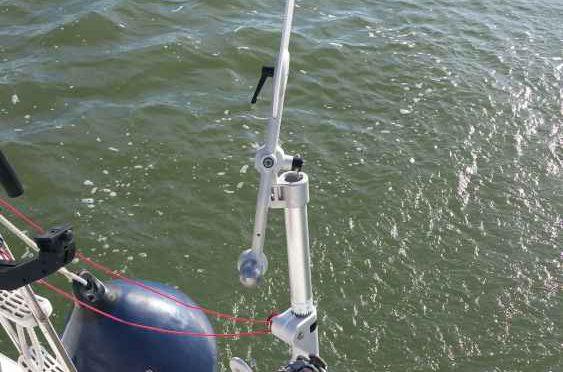 Windfahne wird montiert